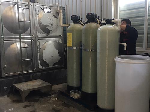 小型自动再生+半自动再生软化水设备