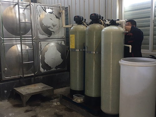 小型自動再生+半自動再生軟化水設備