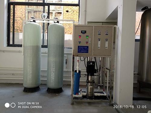 小型饮用水设备
